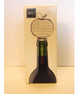 NIB! Mikasa Glass Wine Bottle Stopper STARS & STRIPES APPLE  - $9.00