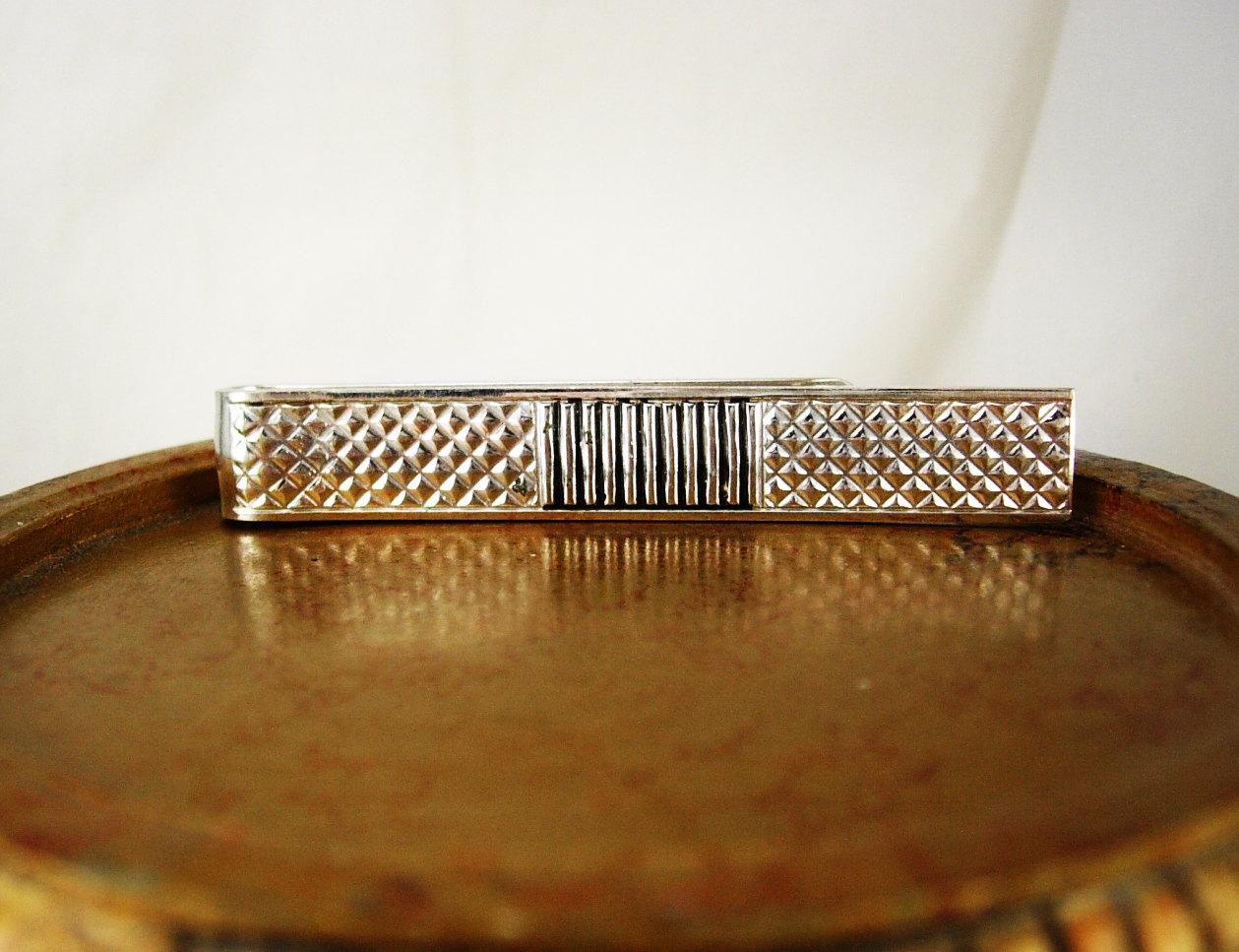Vintage diamond clip dark and darker 3