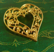 Large Scrolled Heart Brooch Vintage Sweetheart Pin Women's Jewelry - $50.00