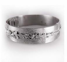 Whiting & Davis Bangle Bracelet Vintage Grape Leaf Relief Hinged Oval Sh... - $65.00