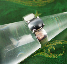 Vintage Cats Eye Jeweled Ring Sterling Silver 3.0 Grams Size 7 3/4 Women... - $75.00
