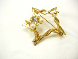 Vintage Bridal Shooting Star Brooch Rhinestones Pearl Wedding Birthday A... - $20.00