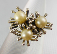 Distinctive 3 Pearl Ring Vintage Beau Sterling Silver 3.7 Grams  Classy ... - £64.40 GBP
