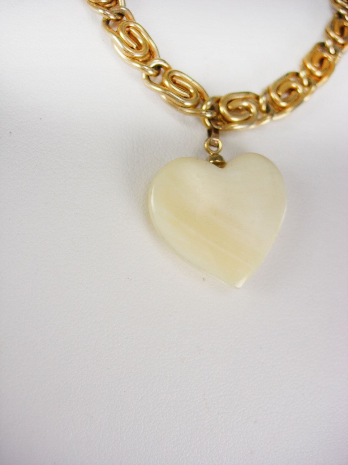 Coro Heart Charm Bracelet Vintage Mother Of Pearl Gold Filled Sweetheart designe