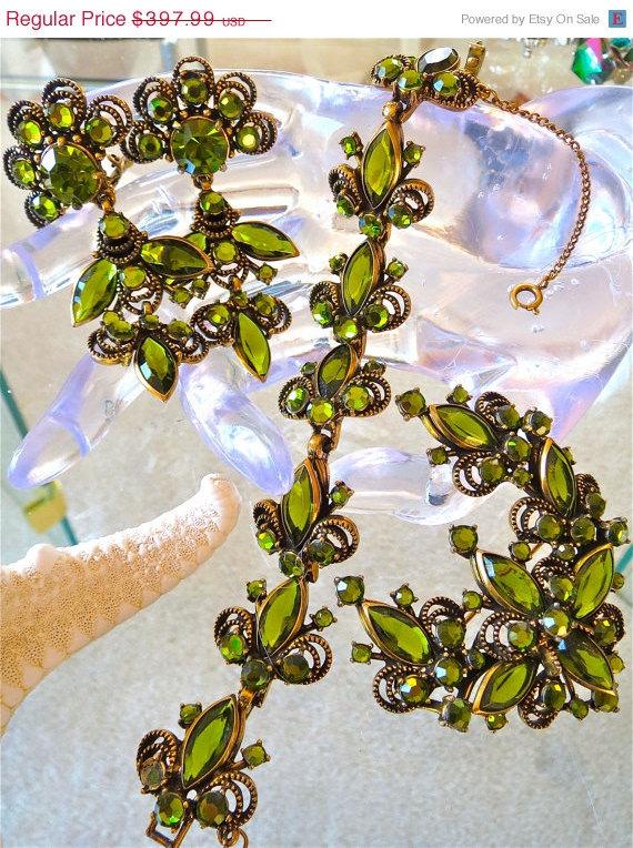 20%OFFSALE vintage new nos WEISS rare NEW bezel green dangle clip mint rivoli Br - $267.99