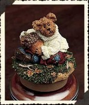 "Boyds Candle Topper ""Oakley..Hug a Nut"" Fits small yankee candle~#651257... - $23.99"
