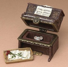 "Boyds Treasure Box ""Grandma's Piano w/Maestro McNibble"" #392143-   NIB- 2005 - $19.99"
