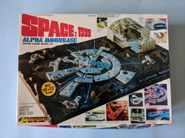 Vintage MPC Space 1999: Alpha Moon Base Model Kit ~ 1978 - $39.13