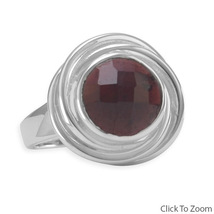 Sterling Silver Ring with Round Faceted Garnet Button - €65,27 EUR