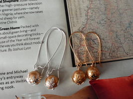 GOLD SWAROVSKI PEARLS GOLD OR SILVER EARRINGS WEDDING bridesmaids GIFT - $9.30