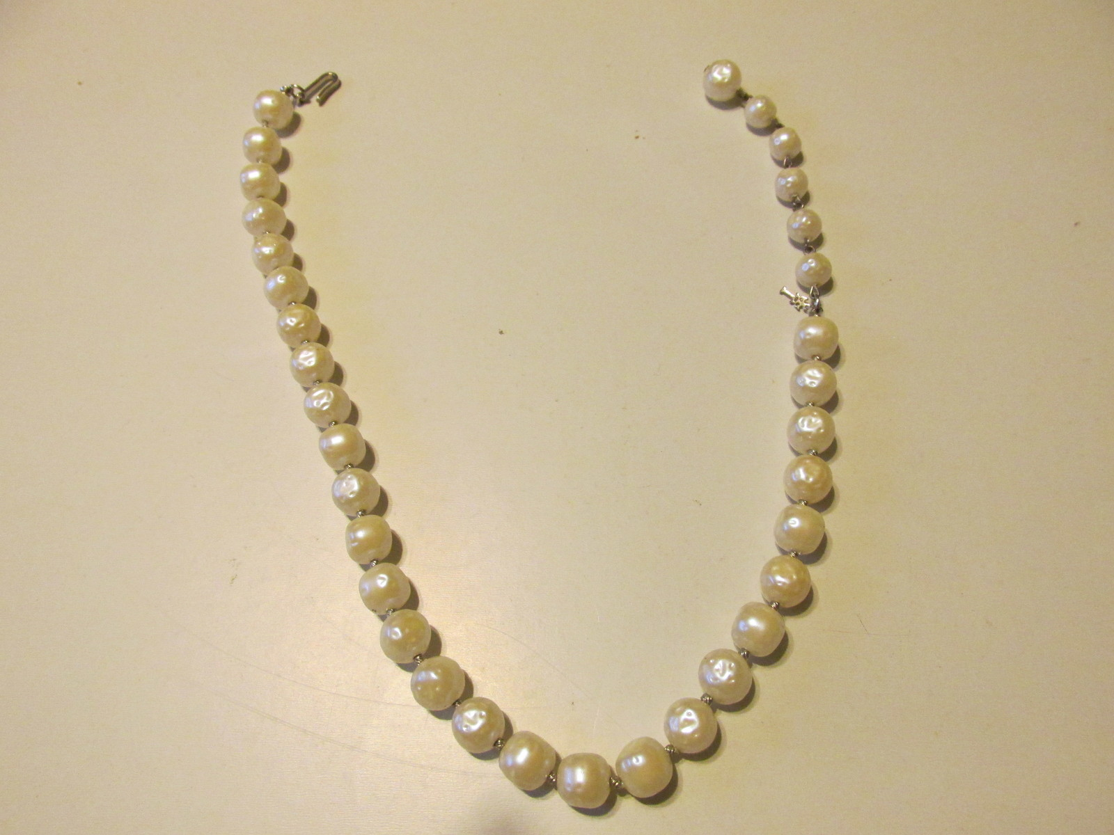 Vintage / Retro Trifari Pearlized Necklace - 1950s