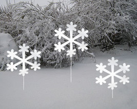 Snowflake Garden Stakes (Set of 3)  / Christmas Decoration /Outdoor / Me... - ₨9,290.94 INR
