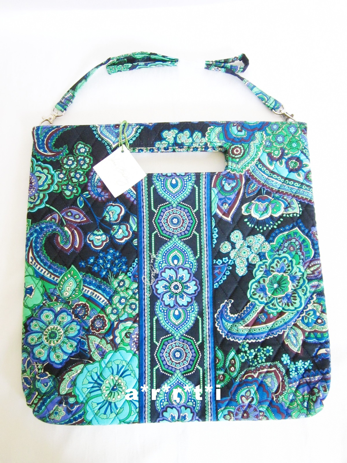 Holiday tote br 1