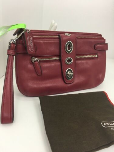 Coach Archival Wristlet 40207 Legacy Red Glove Leather Turnlock Clutch Bag B26 image 2