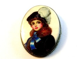 Vintage Portrait of a Lady Brooch - $45.04