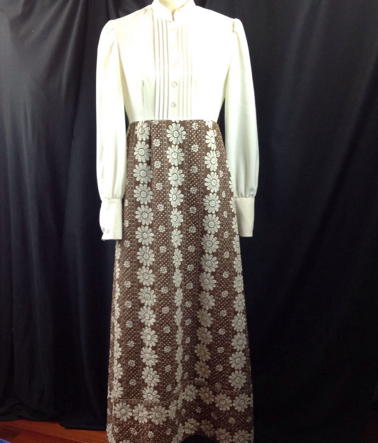 Vtg Groovy Quilted Skirt Hostess Maxi Dress Daisy Dots Long Sleeve Browns M