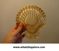 AMBER glassware: clamshell dish with fruit - $6.00