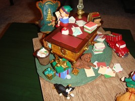 Hallmark Santa's Desk 2001 Limited Edition Studio Display image 5