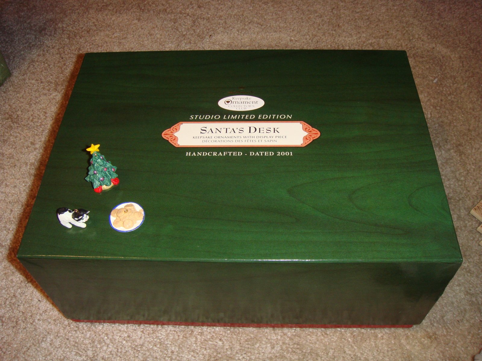 Hallmark Santa's Desk 2001 Limited Edition Studio Display image 9