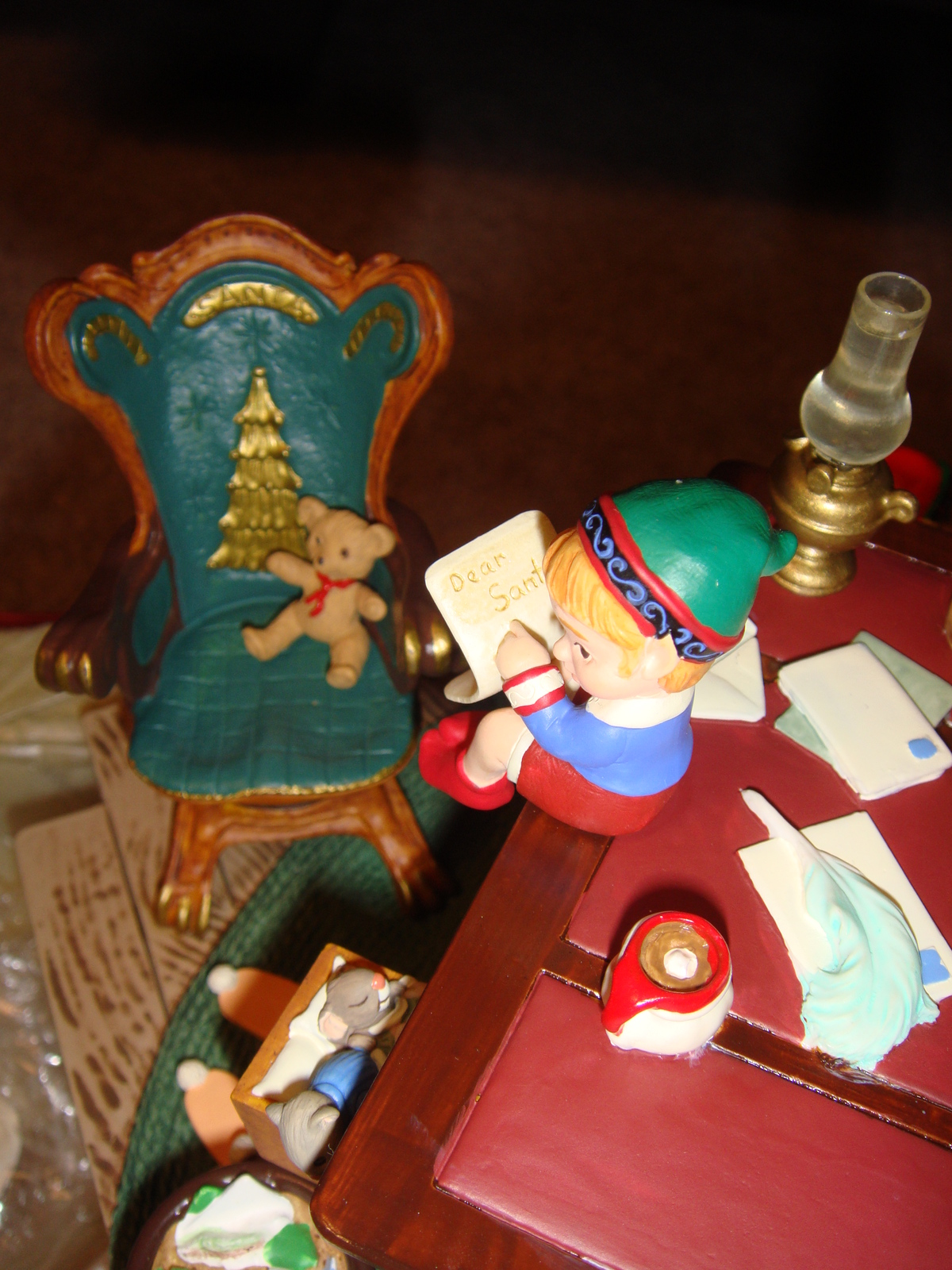 Hallmark Santa's Desk 2001 Limited Edition Studio Display image 10