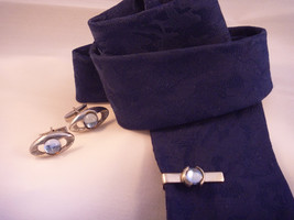 Mens Tie Bar Cuff Link Set Oval Silvertone Blue Glass Stone Vintage - $10.00