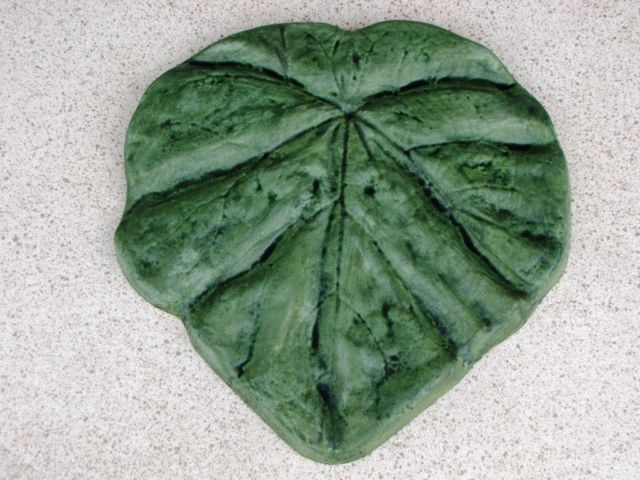 "18"" Tropical Garden Leaf Stepping Stone Mold - Make Them For About $1.00 EACH."