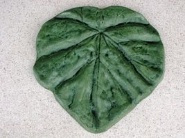 "18"" Tropical Garden Leaf Stepping Stone Mold - Make Them For About $1.00... - $42.99"