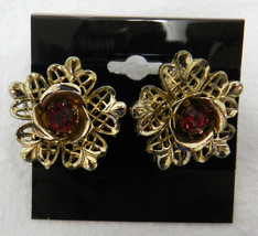 Coro Ruby Red Stone Gold Tone Floral Flower Screw Back Clip Earrings Vin... - $29.37