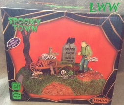 Lemax Halloween Spooky Town Igor The Grave Digger lighted animated table... - $37.99