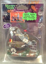 Halloween Lemax Spooky Town Village Ghoul Hot Dog Vendor Accessory Figure  - $6.99