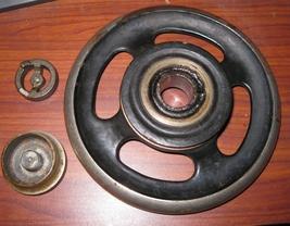 Demorest Sewing Machine Vibrating Shuttle Hand Wheel w/Stop Motion Knob & Washer - $10.00