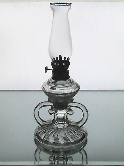 Vintage pegged oil lamp clear 3 section 10.25 x 4.5 early 1900 s 001
