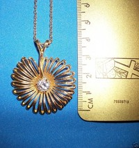 "Fashion Gift Jewelry Flower Crystal Pendant Gem Gold Tone 17"" Chain Necklace New - $4.74"
