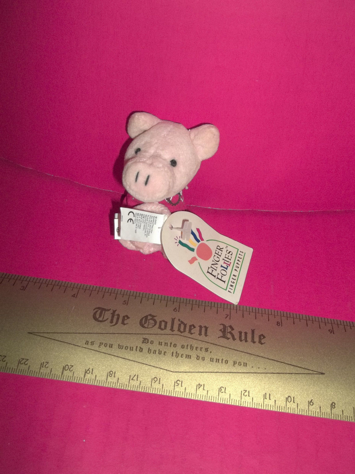 Toy Treasure Manhattan Finger Puppet Doll Boswell Pig Soft Cloth Finger Follies - $9.49