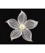 Sarah Coventry Moonflower silvertone pin brooch... - $28.00