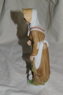 Homco Old Farm Woman Figure Home Interiors 1409 REPAIRED