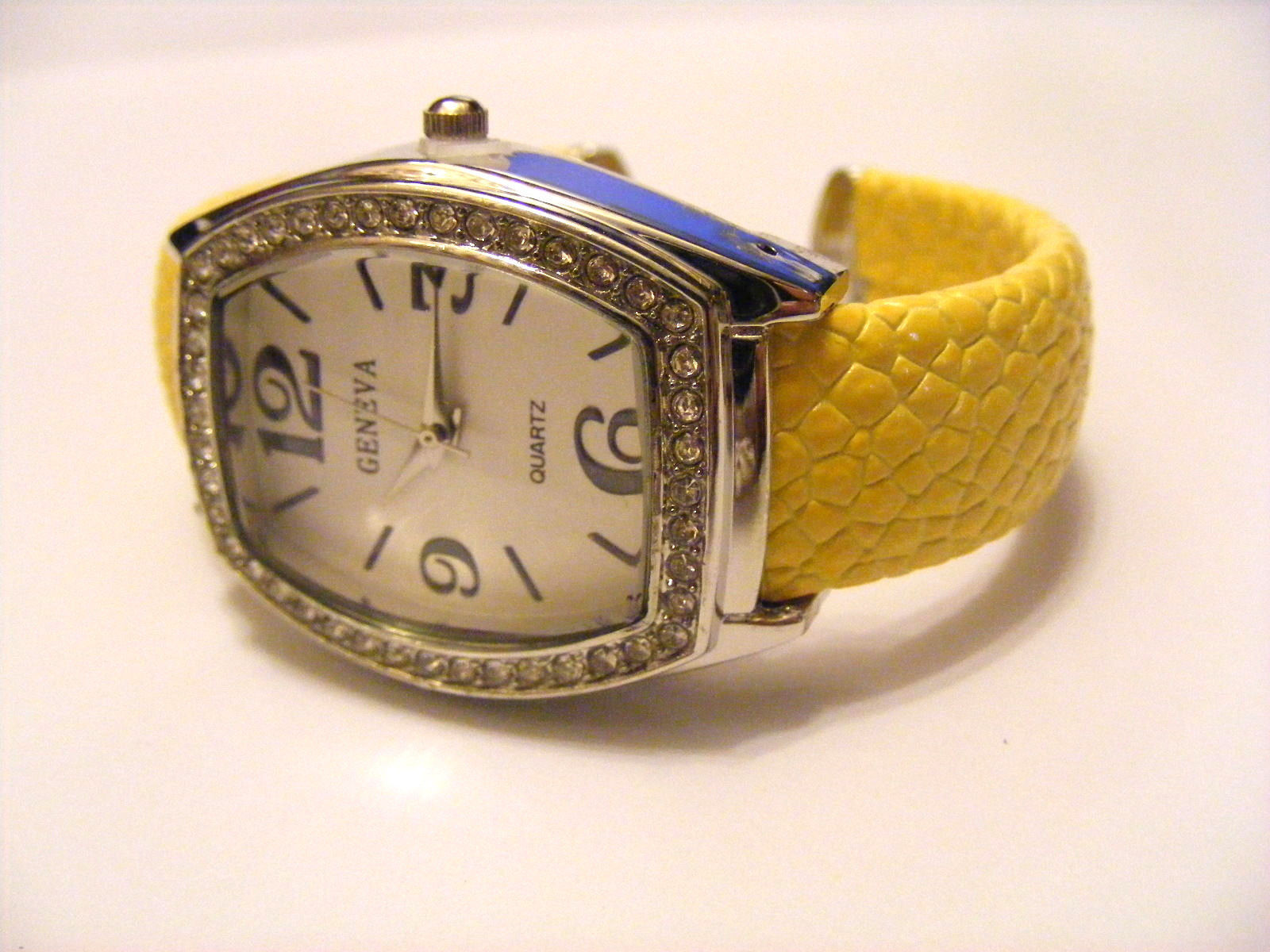 Primary image for GENEVA 5/8 INCH CUFF WATCH  YELLOW LIZARD LEATHER RHINESTONES CURVED DIAL FACE