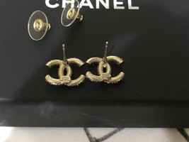 AUTHENTIC CHANEL GOLD RARE CC LOGO CRYSTAL STUD EARRINGS MINT image 7