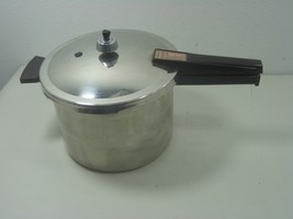 Vintage Presto Mid Century 6Qt Stainless Steel Pressure Cooker Model C603A - £29.31 GBP