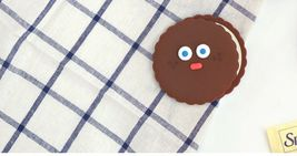 Brunch Brother popped Eye Handheld Mirror Makeup Hand Mirror (Choco Pompom) image 3