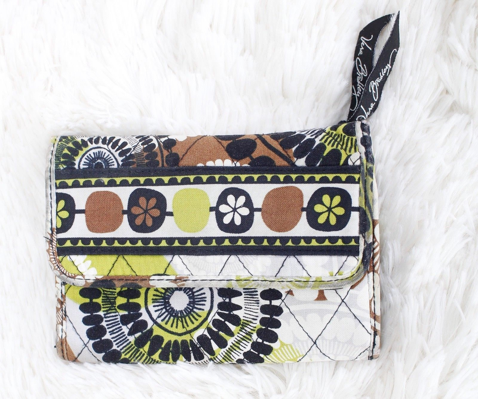 bd72514059 Vera Bradley Cocoa Moss Wallet - Lime Green and 50 similar items. 57