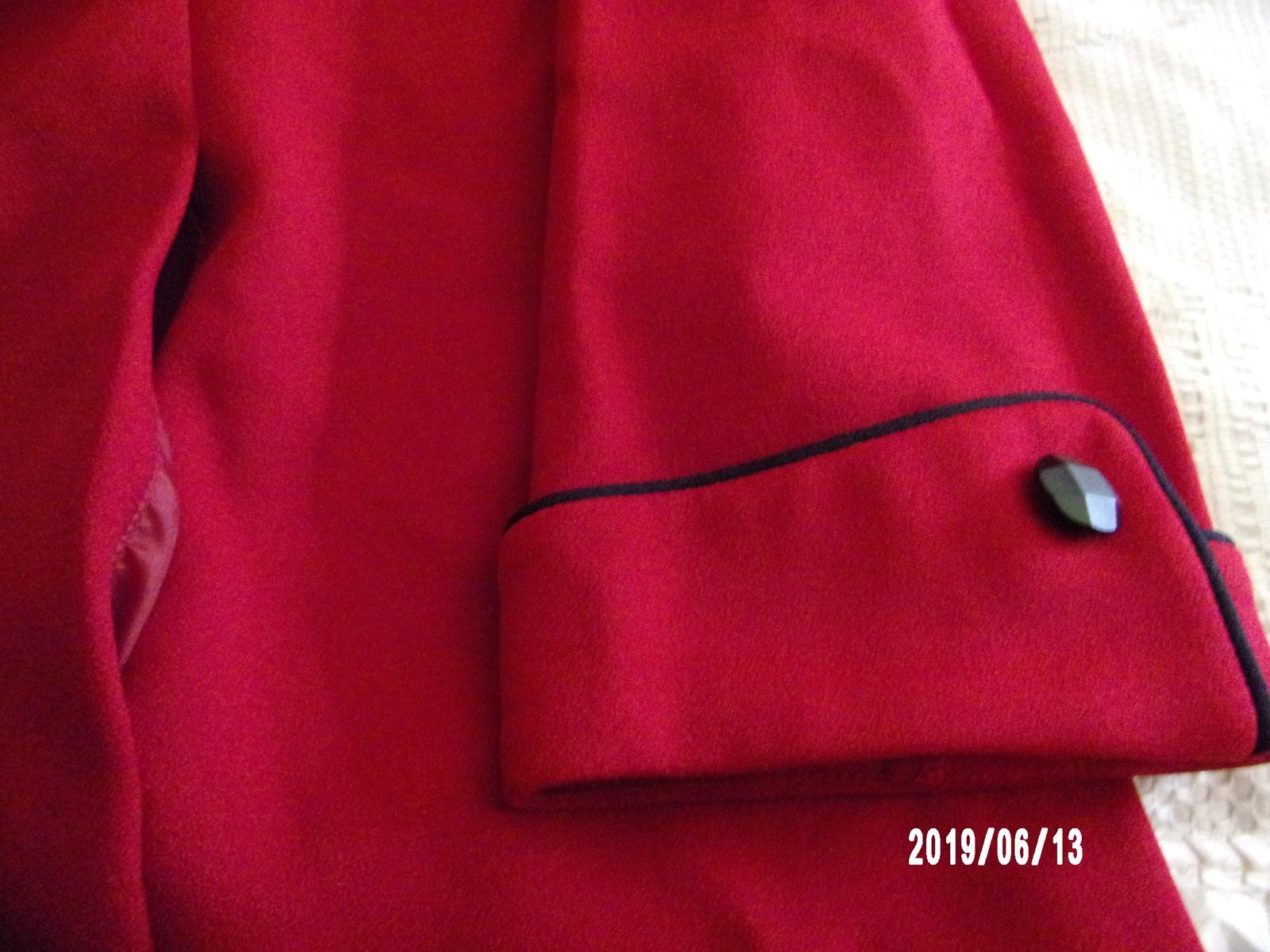 Alfred Dunner - 20W - Red w/Black Trim Blazer - 2 Pockets - Shoulder Pads