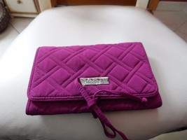 Vera Bradley all wrapped up jewelry roll in Plum microfiber  NWT - $24.00