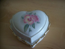 Heritage House Love Me Tender Music Box  - $20.00