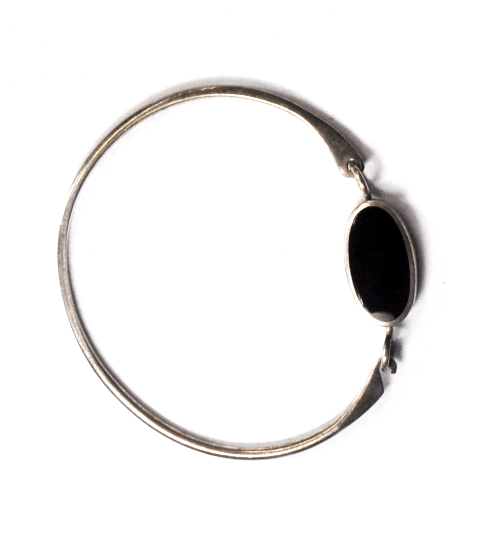 Primary image for Sterling Silver Round Boma Black Onyx Oval Hook & Latch Bangle Bracelet 12mm