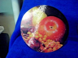 """NEW Glass Cutting Board Concepts FRUIT APPLES Round  7.75""""  Diameter - $6.14"""