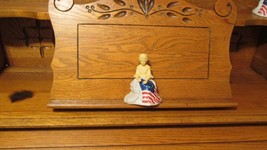 Vintage Avon July 4th 1976 Betsy Ross Sonnet Figurine Collectible Cologn... - $5.95