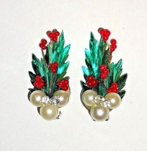 Vtg 50s WALLACE Christmas Earrings 3D Green Foil Holly Rhinestone Pearl ... - $21.99