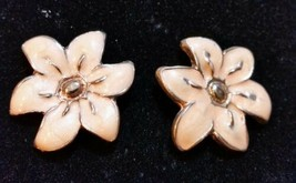 "Post Earrings Enamel Flower Gold Peach 1"" Fashion Casual Work Wear F309 - $6.93"