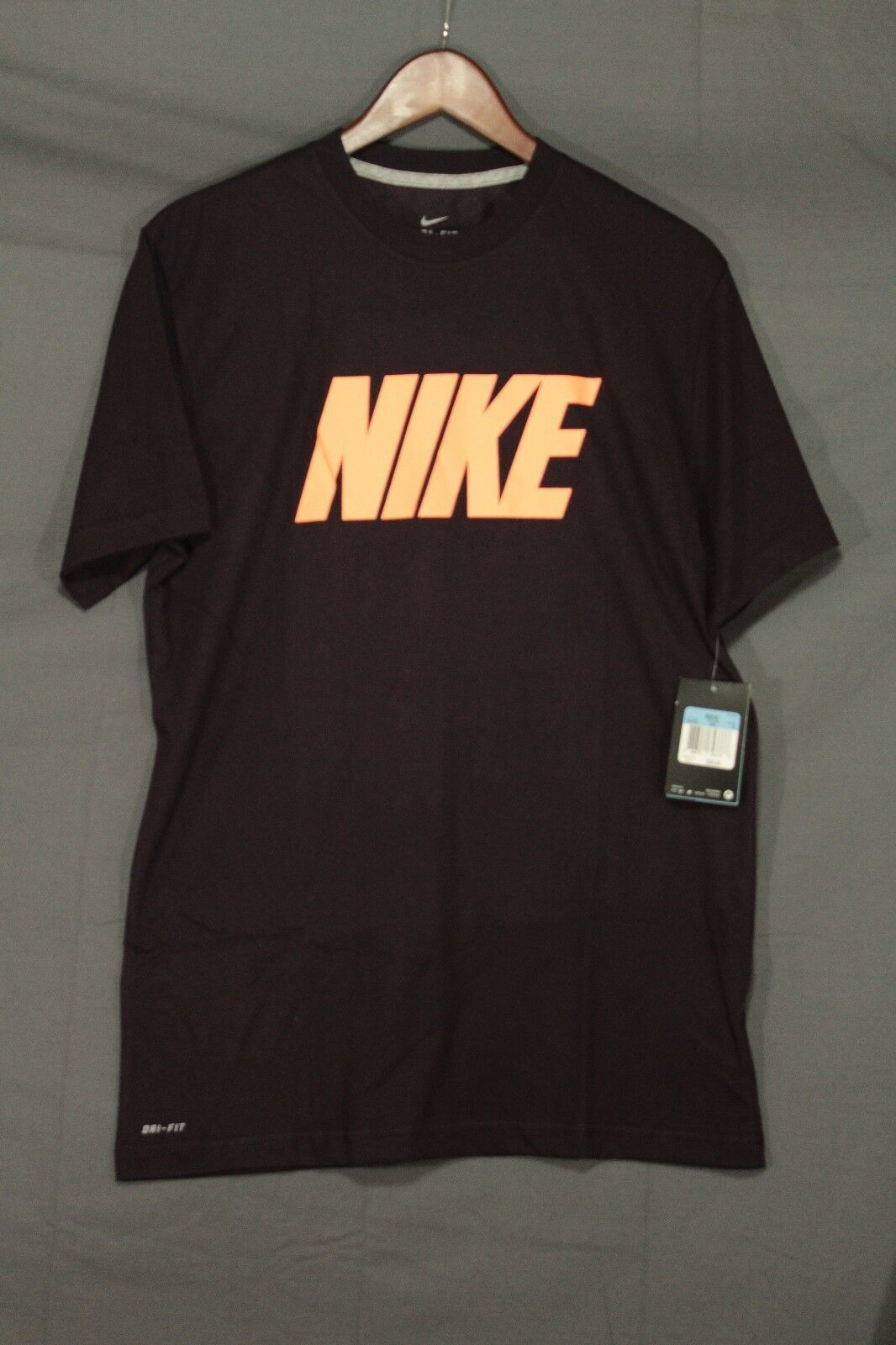 NEW Men's Nike Dri-Fit Vintage Logo Perform Training T-Shirt Burgundy 504732 MED